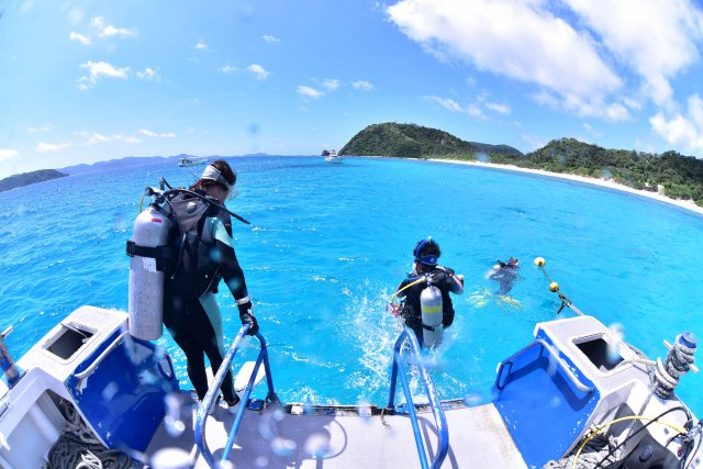 リゾートの青い海