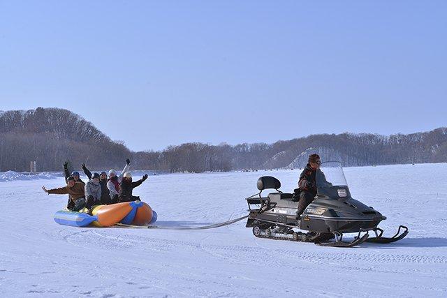 雪の上でいっぱい遊ぼう!