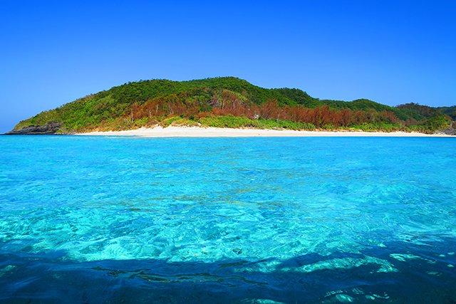 輝く海の座間味島