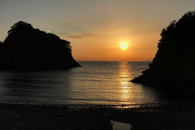 浮島の美しい夕日