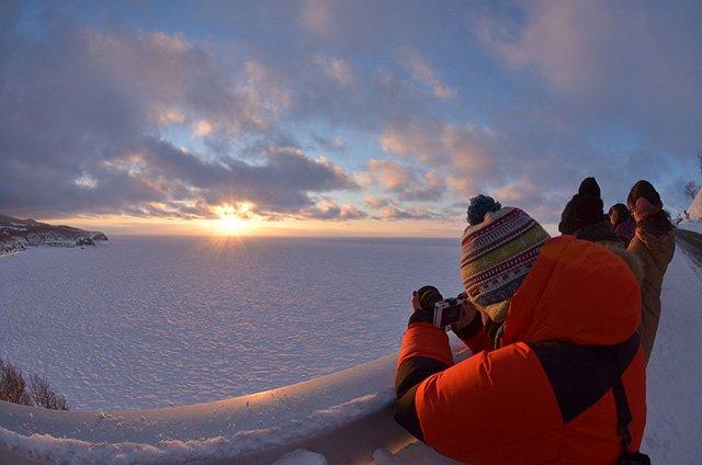 流氷に覆われた知床の海