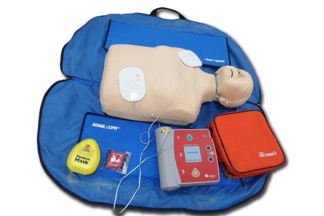 AEDレサシ人形