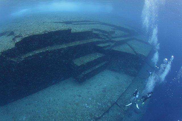 不思議な雰囲気の海底遺跡