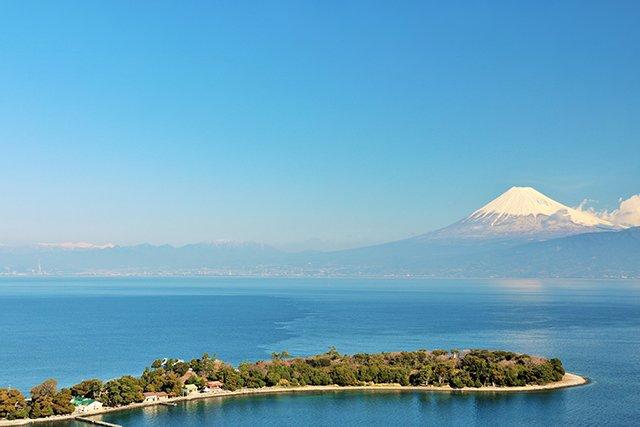 富士山と大瀬崎の半島